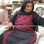 החג'ה אום אחמד - עטייאת -עוג'א -טוויה בפלך עם משקולת עליונה